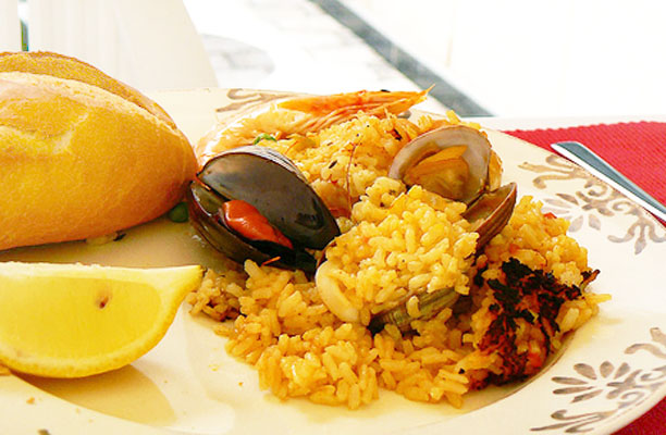 Oven Grilled Paella with Seafood andMeat
